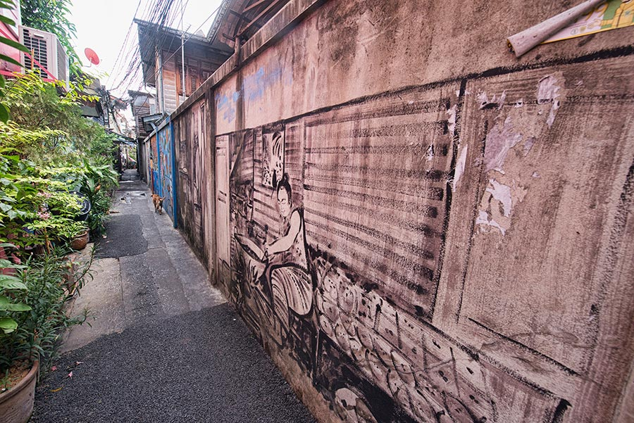 Paintings in an alley in Kudeejeen, Bangkok