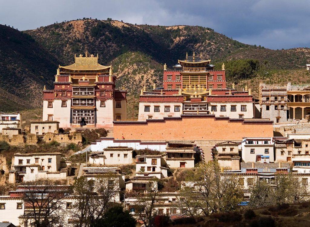 Somzenling Monastery in Shangri La